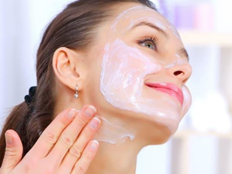 Правила нанесения масок на лицо