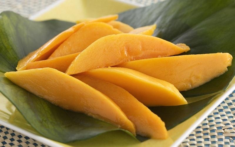 Спелый плод манго
