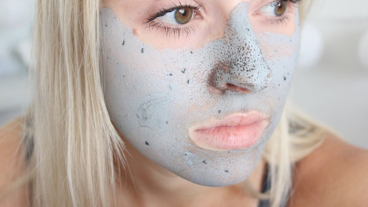 Лечение черных точек на лице