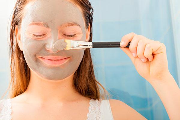 Косметическая маска с глиной